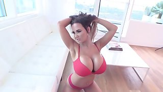 Super BIG BOOBS posing (MUST SEE THIS)