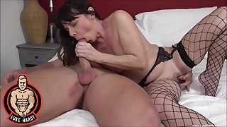 Full bedroom mating for a mature in sexy fishnets