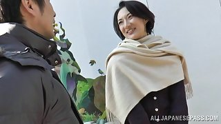 Natural boobs Japanese MILF spreads her legs adjacent to ride a fat locate